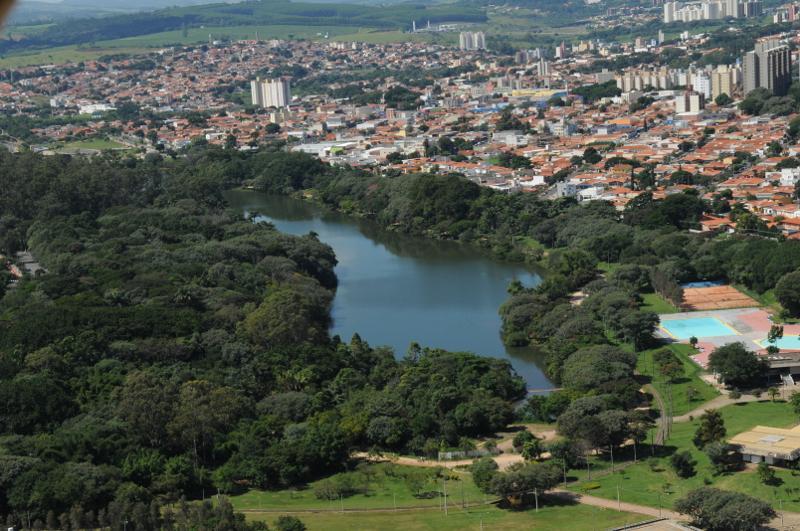 Visão aérea do Parque Taquaral em Campinas. Imagem: Rogério Capela/Divulgação.